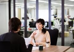 オフィスワーク 男女 (1)