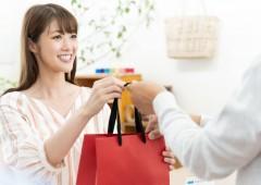 販売 女性 (5)