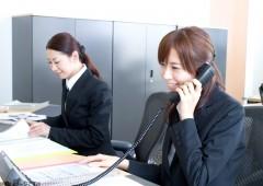 電話対応 女性
