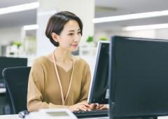 オフィスワーク 女性 (18)