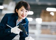 工場 製造作業 女性 (5)