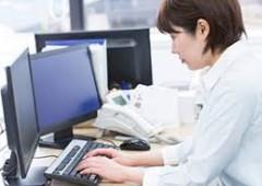オフィスワーク 女性 (3)