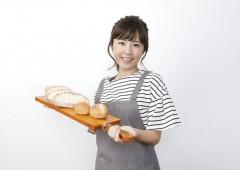 接客 女性 パン屋