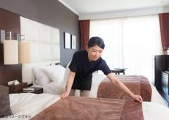 ホテル清掃 ベッドメイキング 女性 (3)