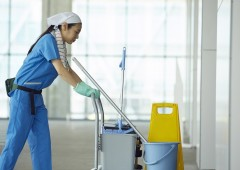 ビル清掃  女性 (1)