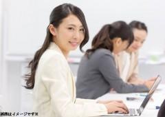 オフィスワーク 女性 (12)